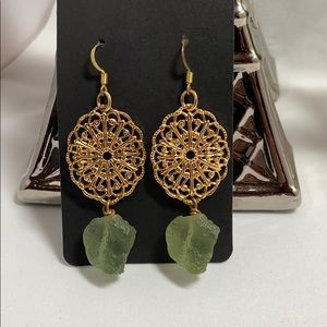 Jewelry - New Green Cluster & Gold Drop Earrings